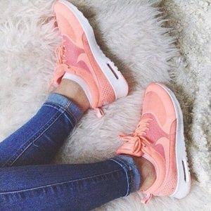 RARE Nike Womens Air Max Thea